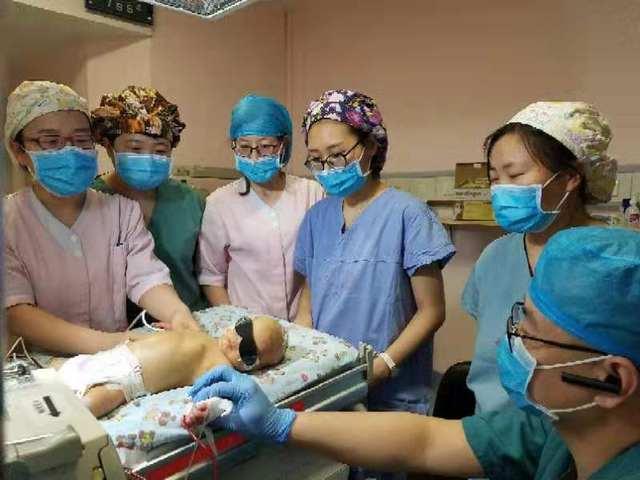 兄弟科室齐上阵 医者大爱迎新生---多学科合作完成三月份第 2 例新生儿换血术