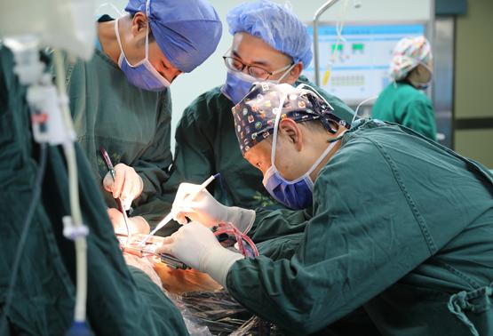 遵义医学院附属医院同时成功开展心、肺、肾大器官移植手术