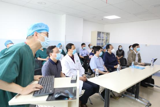 八旬老人不开刀换「心门」宜昌首例经导管心脏瓣膜置换术(TAVR)