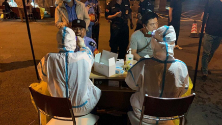 出征!北京优联医院组建 30 人核酸检测采样工作小组支援丰台区
