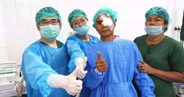 爱无国界!华厦眼科公益足迹再次跨出国门,「缅甸光明行」助百余患者重获光明