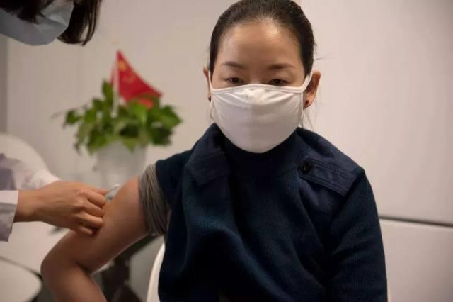 星夜集结,奔赴武汉!「巾帼」医疗队从生物城逆行出征