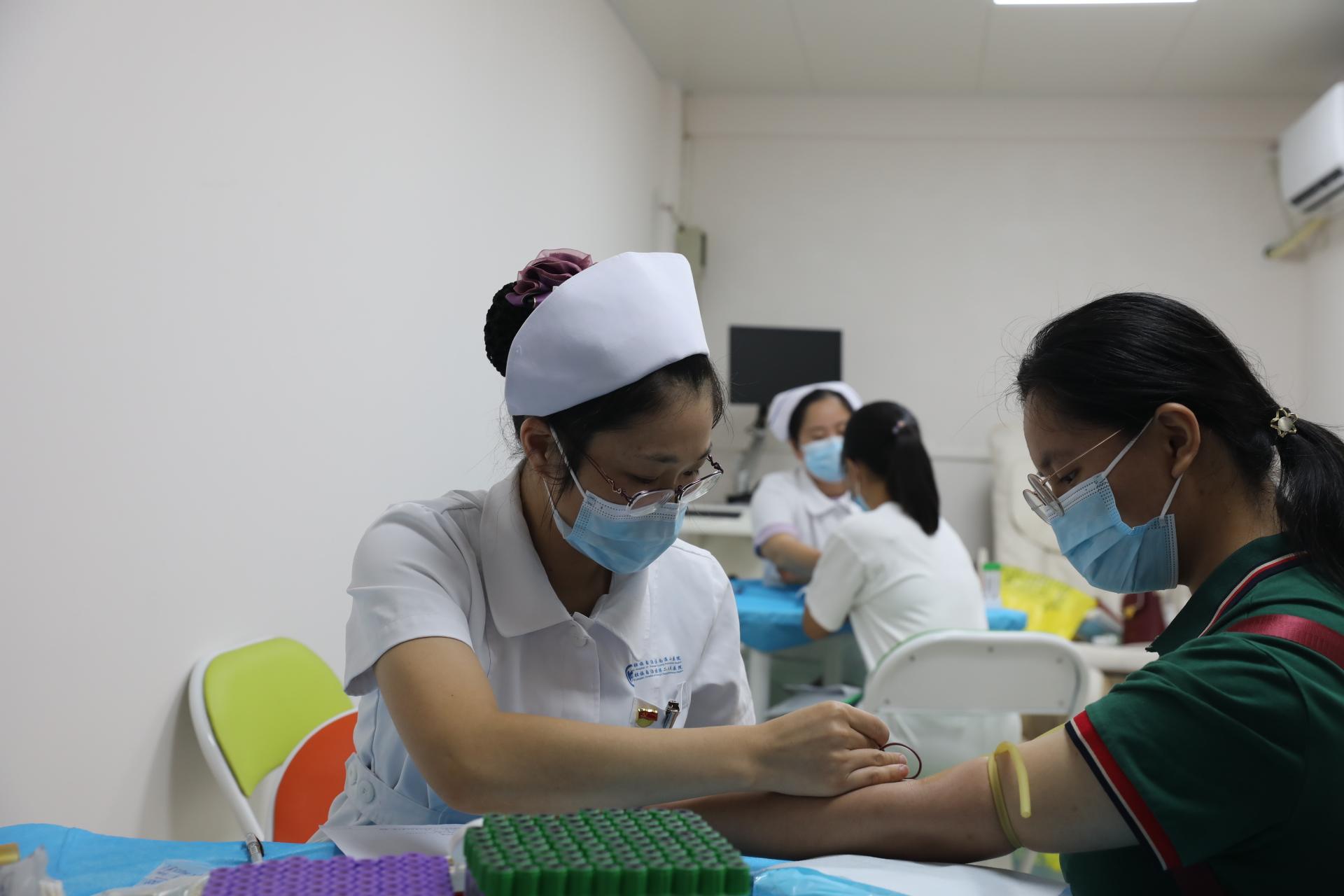 广西壮族自治区南溪山医院助力桂林学院新生体检工作