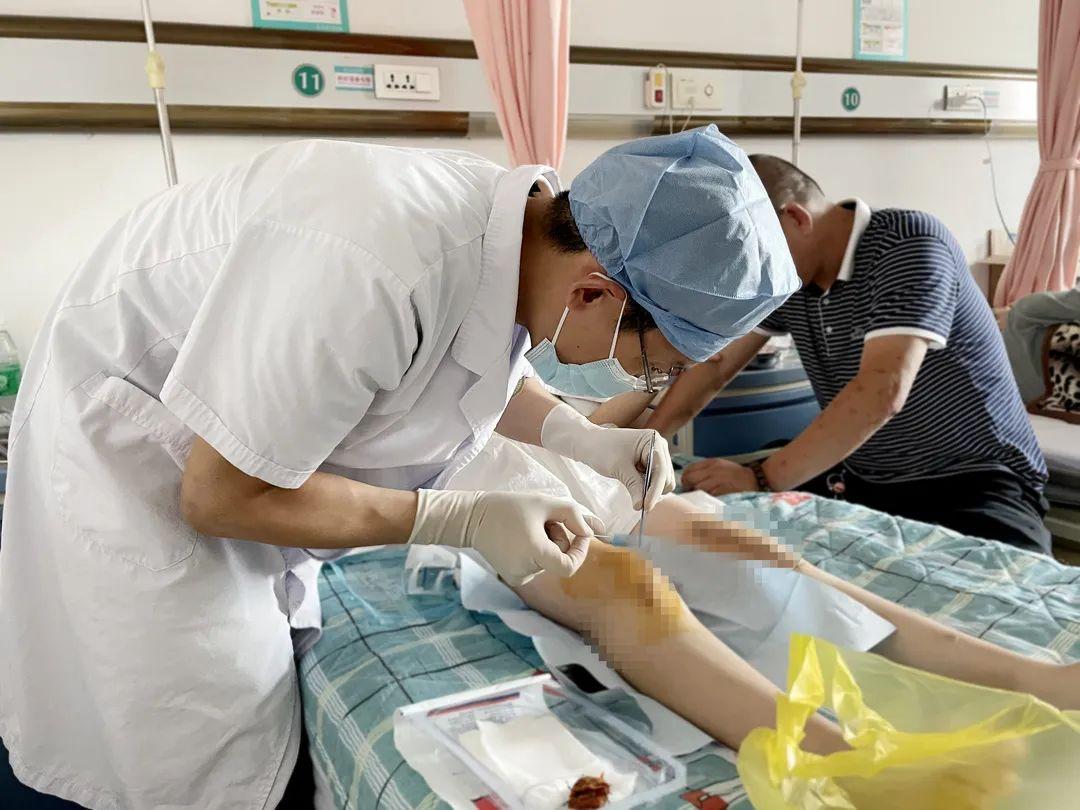 长春骨伤医院:人工膝关节表面置换术,为患者赶走疼痛