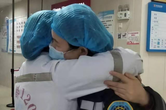 【特写】只想好好抱抱你!