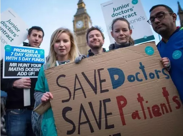 谁应该为我们的医护发声?从英国医生罢工事件说起