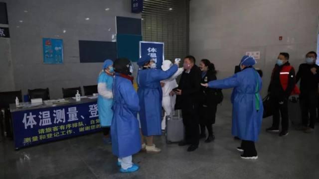 南昌大学四附属坚守在疫情防控一线的志愿者「老战士」