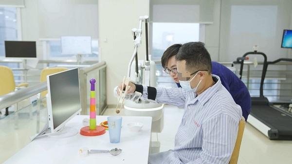 中国康复医院亮相国际会议分享案例:结合临床和康复,31 岁偏瘫患者回归生活