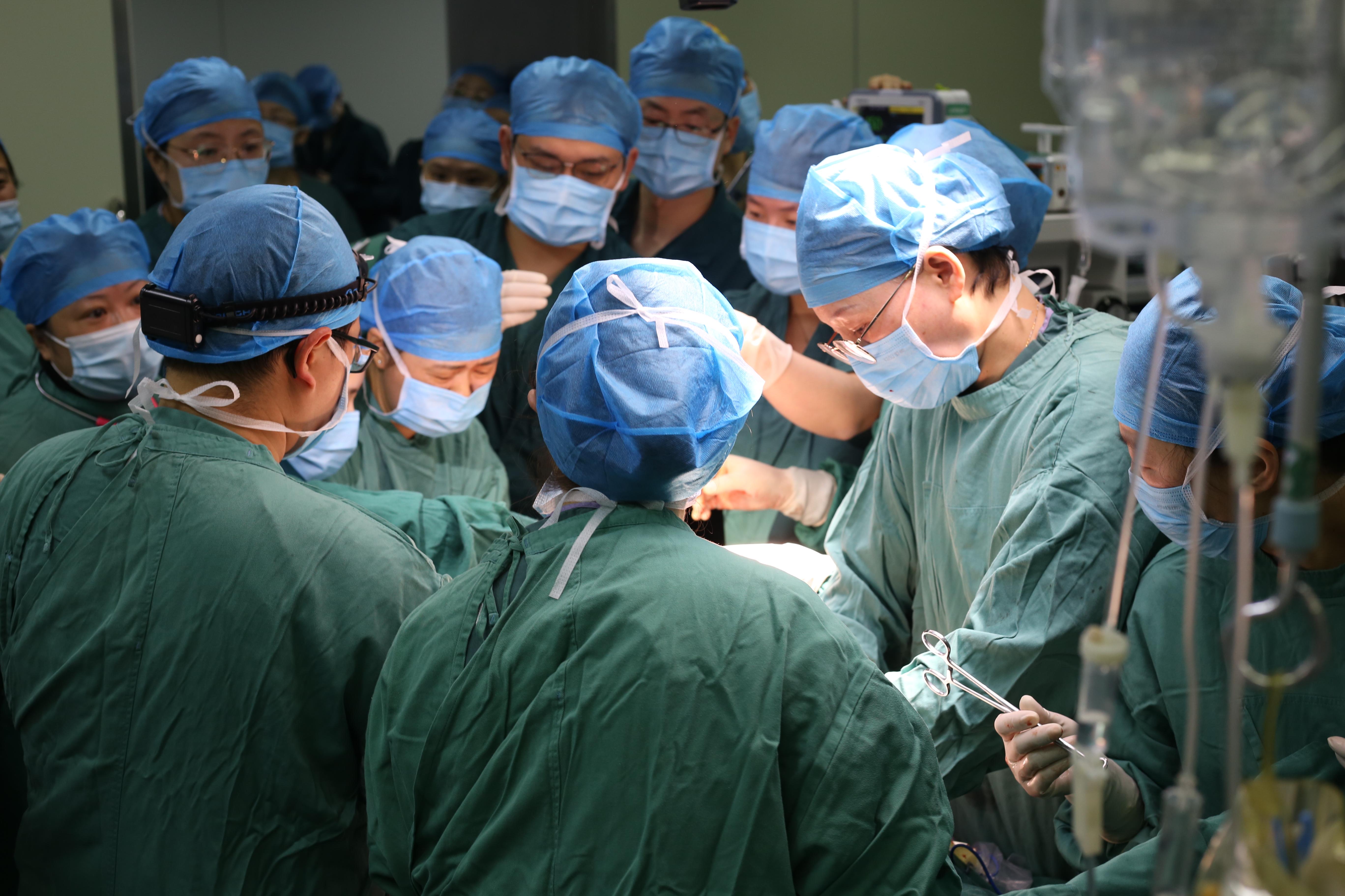 建设专病中心 守护女性健康 宜昌市第一人民医院妇科三大诊疗中心授牌